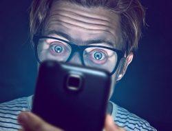 Catat dan Perhatikan Bahaya Smartphone yang Ancam Kita